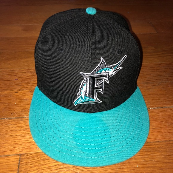8eb7543ae43 Vintage Florida Marlins fitted cap. M 5a89c940b7f72bccf3855207